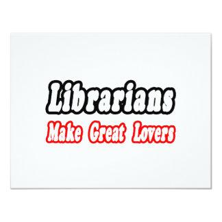 """Los bibliotecarios hacen a grandes amantes invitación 4.25"""" x 5.5"""""""