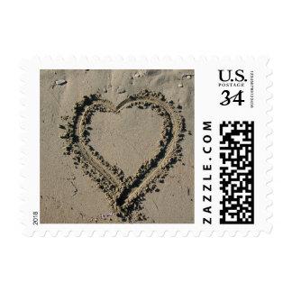 Los bodas de playa de la postal ahorran el sello