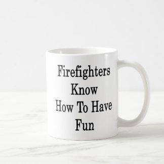 Los bomberos saben divertirse tazas