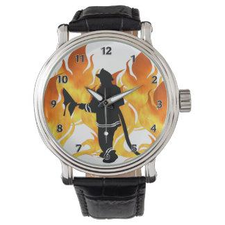 Los bomberos sienten el calor reloj de mano