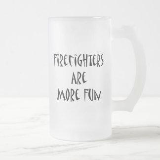 Los bomberos son más diversión tazas