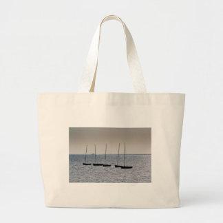 Los botes amarraron apagado de Leigh en el mar Ess Bolsas
