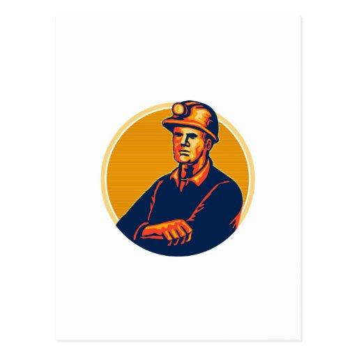 Los brazos del minero de carbón doblaron retro postal