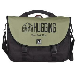 Los brazos están para abrazar el bolso de encargo  bolsas para ordenador