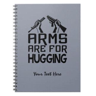 Los brazos están para abrazar el cuaderno de encar
