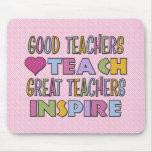 Los buenos profesores enseñan tapetes de ratones