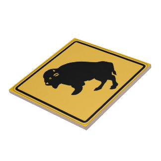 Los búfalos que vagan por, trafican la señal de azulejo cuadrado pequeño