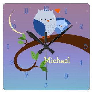 Los búhos azules personalizaron el reloj de pared