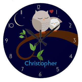 Los búhos de Brown personalizaron el reloj de pare