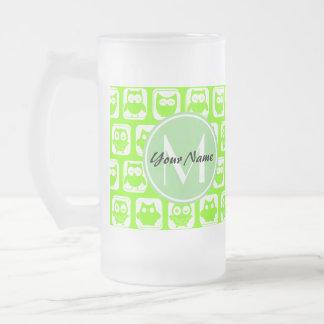 Los búhos de neón de la cal personalizaron el taza de cristal