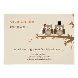 Los búhos del amor ahorran la fecha - naranja invitación 12,7 x 17,8 cm