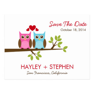 Los búhos del amor ahorran la tarjeta de fecha postal
