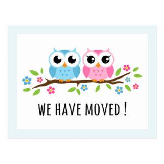 Los búhos lindos hemos movido el cambio de mudanza tarjetas postales