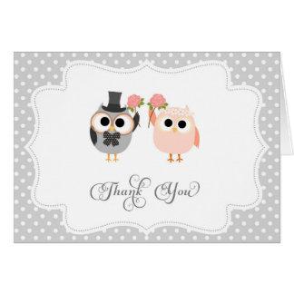 Los búhos lindos le agradecen cardar tarjeta pequeña