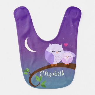 Los búhos púrpuras personalizaron el babero del