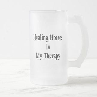 Los caballos curativos son mi terapia taza cristal mate