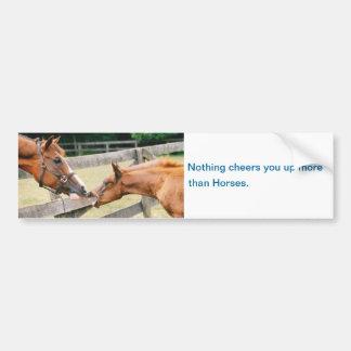 Los caballos le animan encima de pegatina para el pegatina de parachoque