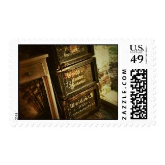 Los cajones apilados rústicos de las cajas de sello