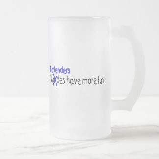 Los camareros se divierten más taza cristal mate