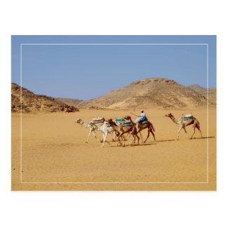 Los camellos acercan al templo de EL-Seboua del Postal
