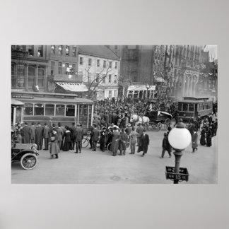 Los caminantes del sufragio llegan en C.C., 1913 Póster