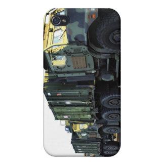 Los camiones acorazados se sientan en el iPhone 4/4S carcasa