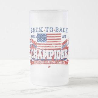 Los campeones de la guerra mundial del vintage taza de cristal
