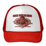 Los cangrejos de la tirada en su cabeza gorra