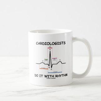Los cardiólogos lo hacen con el ritmo (ECG/EKG) Taza