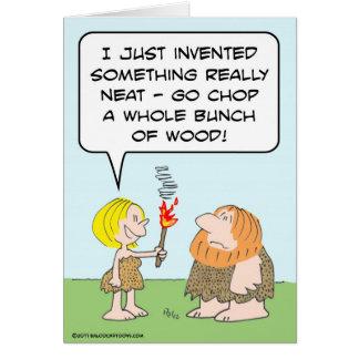 los cavewoman inventan la madera del manojo de la  tarjeta de felicitación