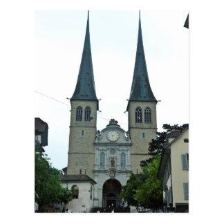 Los chapiteles gemelos de la iglesia de Hof Tarjeta Postal