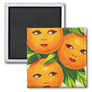 Los chicas anaranjados de los naranjas del vintage imán de nevera
