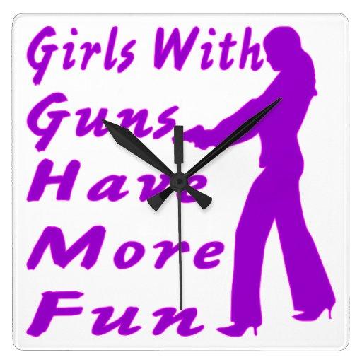 Los chicas con los armas se divierten más 2 relojes