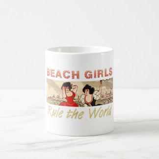 Los chicas de la playa de la CAMISETA gobiernan el Taza De Café