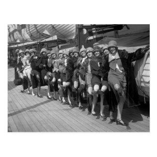 Los chicas de la sierpe, 1900s tempranos postales