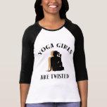 Los chicas de la yoga son camiseta torcida