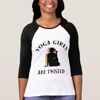 Los chicas de la yoga son camiseta torcida remera