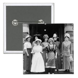 Los chicas del país toman Nueva York 1910 Pins