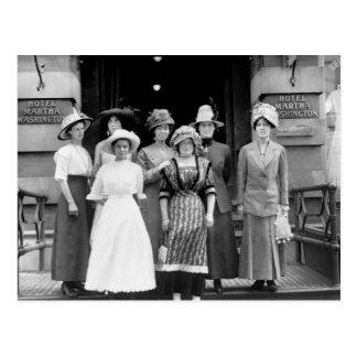 Los chicas del país toman Nueva York, 1910 Postal