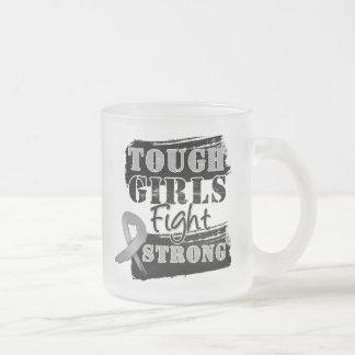 Los chicas duros del cáncer de cerebro luchan taza de café esmerilada