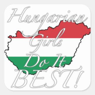 ¡Los chicas húngaros lo hacen mejor! Calcomanías Cuadradas