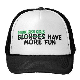 Los chicas irlandeses borrachos se divierten más gorro de camionero