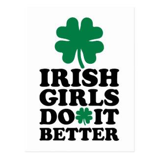 Los chicas irlandeses mejora el trébol tarjeta postal