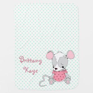 Los chicas lindos del ratón personalizaron el luna mantitas para bebé