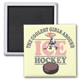 Los chicas más frescos alrededor del hockey sobre  imán cuadrado