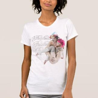 Los chicas menudos de la alternativa 2 en el batid camiseta