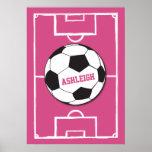 Los chicas personalizaron el balón de fútbol en posters