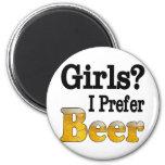 Los chicas prefieren cerveza imanes de nevera