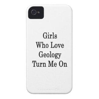 Los chicas que aman la geología me giran Case-Mate iPhone 4 carcasas