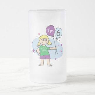 Los chicas rubios soy el 6to cumpleaños 6 jarra de cerveza esmerilada
